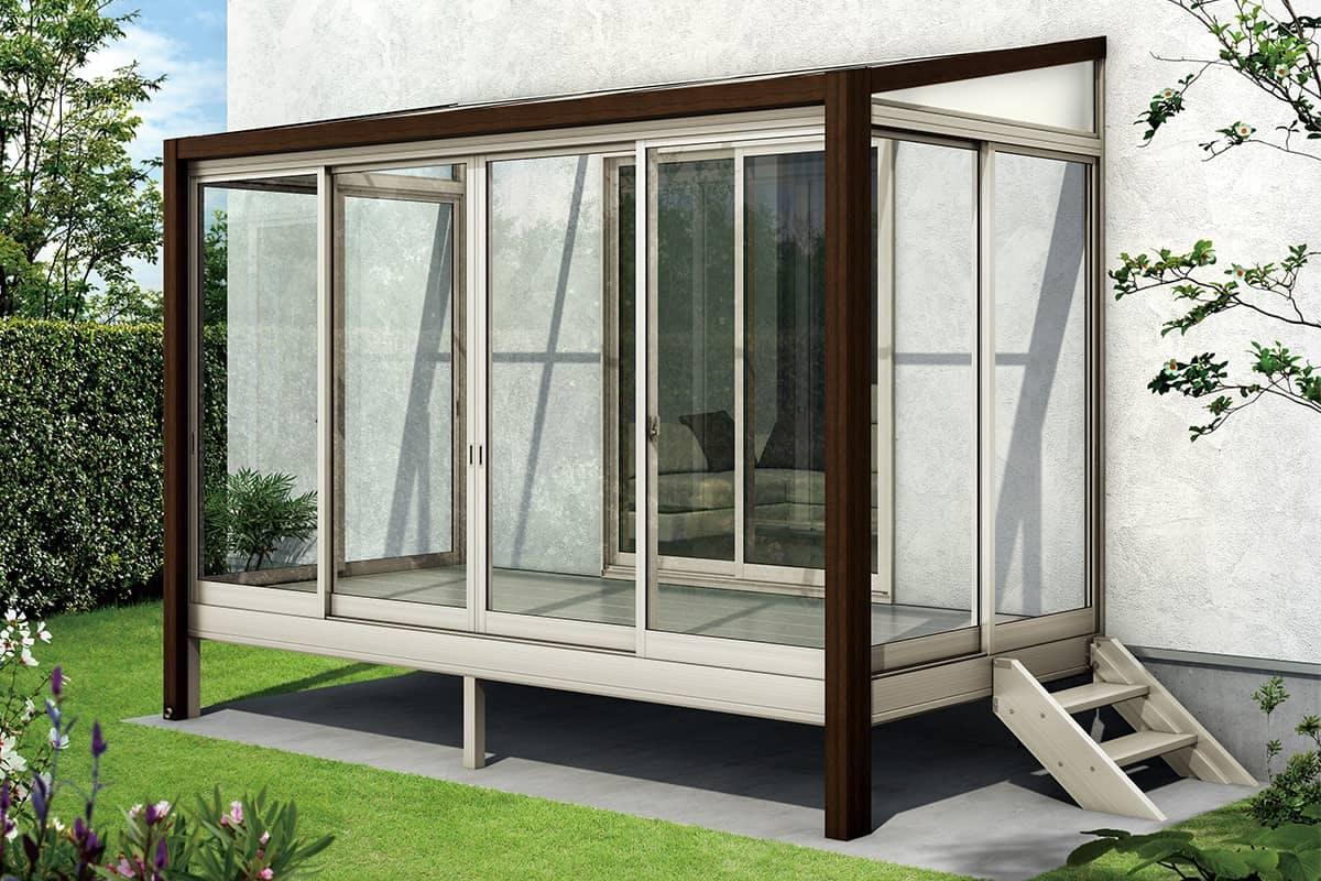 窓際の便利スペース